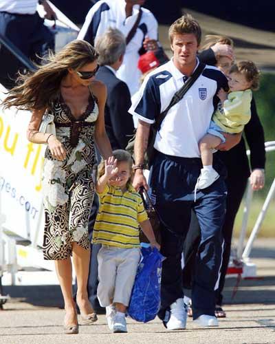 Victoria David Beckham Expecting Fourth Child In Summer