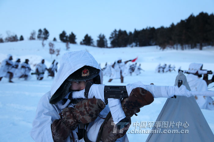 Chinese soldiers train at under 37 degrees Celsius below zero