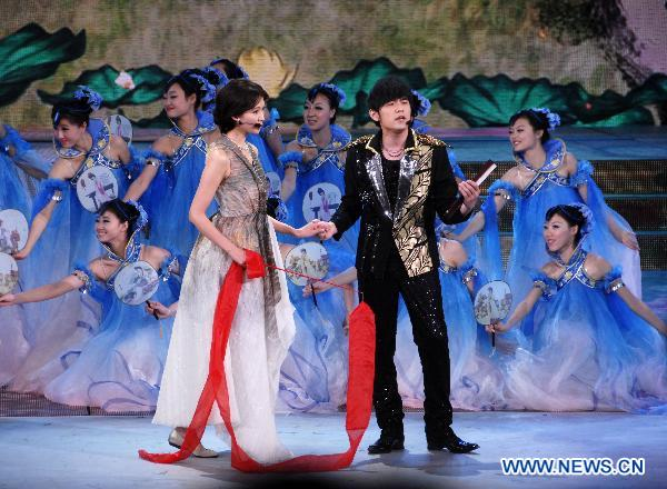 CCTV holds last rehearsal of 2011 Spring Festival Gala Evening