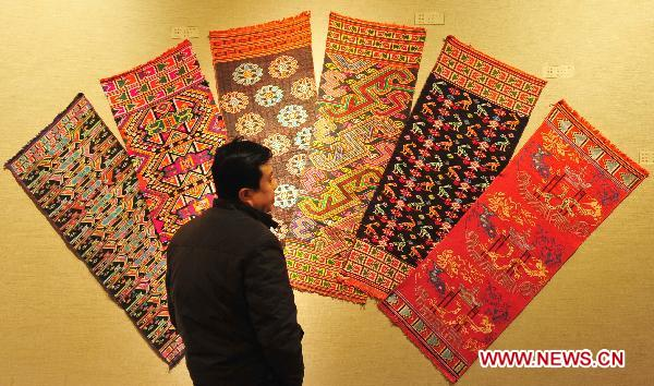 Exhibition of intangible cultural relics held in Wuhan