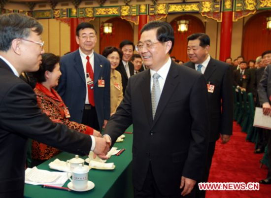 Chinese leaders join panel discussions of political advisors