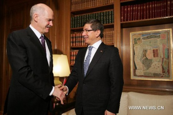 Greek PM meets with Turkish FM