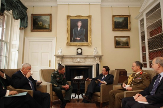 British PM meets visiting U.S. Commander of Afghanistan