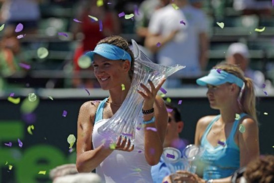 Azarenka defeats Sharapova for second Miami title