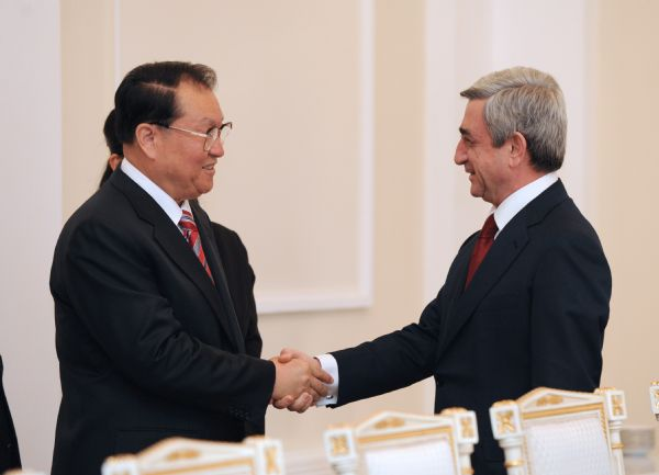 Li Changchun meets Armenian president on bilateral relations