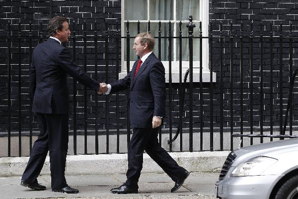 British, Irish PMs meet on economic, security issues