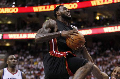 Heat defeats 76ers 100-94; take 3-0 lead
