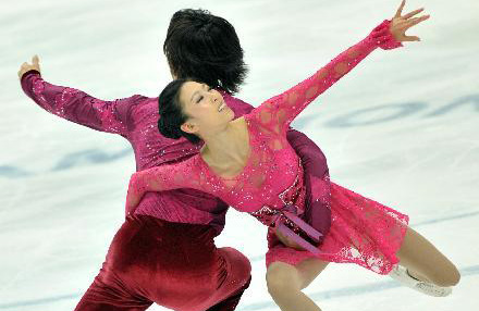 China's pair wins bronze at ISU World Figure Skating Champions