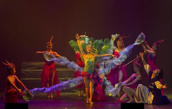 Large Chinese music play Phoenix staged in Toronto