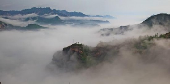 Taihang Grand Canyon presents unique scenery of mystery