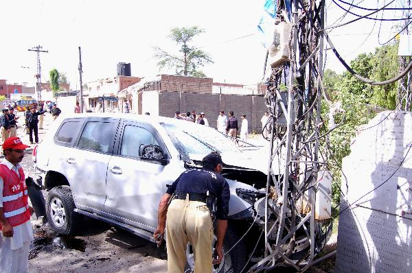 U.S. consulate vehicle targeted in blast in Peshawar, Pakistan: spokesman