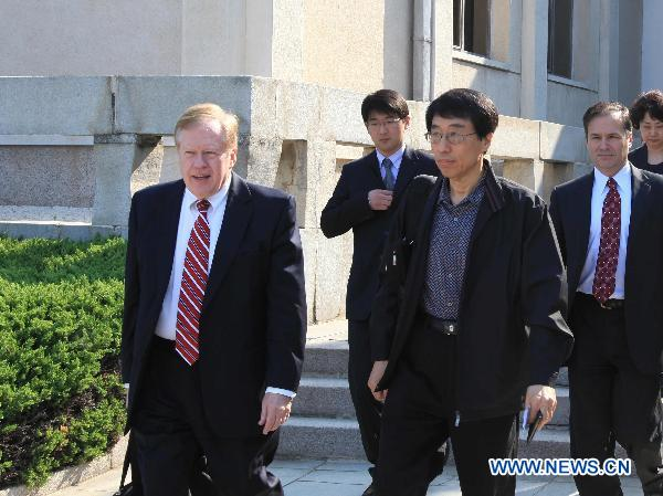 U.S. delegation leaves DPRK with released citizen