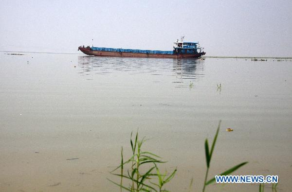 Water level of Poyang Lake rises due to recent rainfall