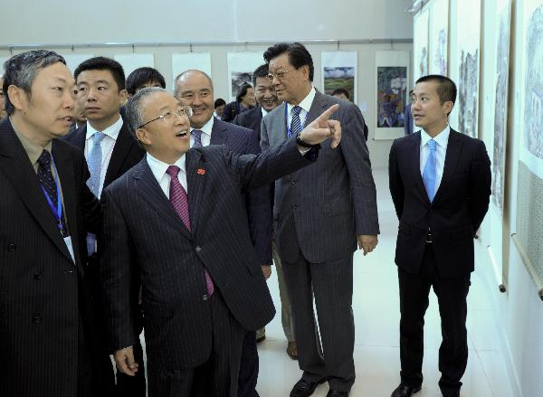Chinese State Councilor watches exhibition of Sino-Kazakh energy co-op achievements in Astana, Kazakhstan