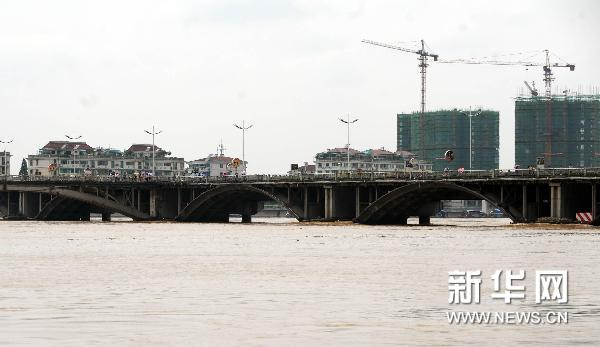 Strongest flood peak over past 56 years hits Lanxi City