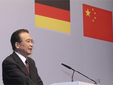 Chinese premier urges redoubled efforts to promote China-Germany business ties