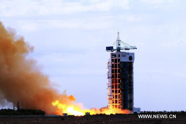 China launches experimental satellite