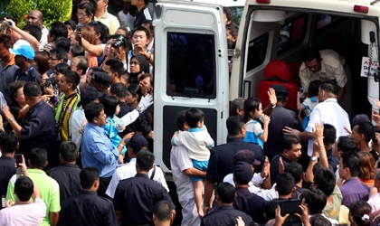 Malaysian hostage crisis ends, 34 hostages safe