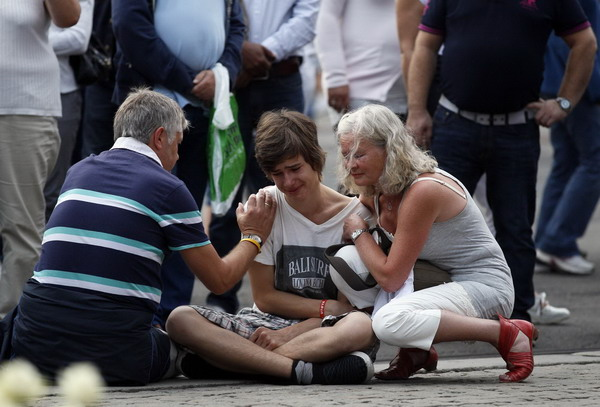 Norway shooter traumatises nation, up to 98 dead