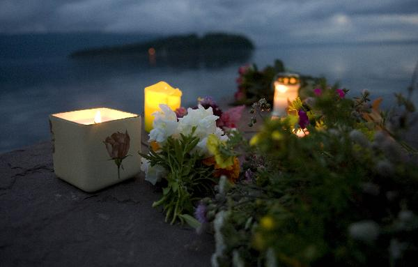 Candles, flowers in Oslo