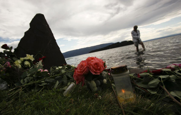 Norway mourns, buries dead, a week after massacre