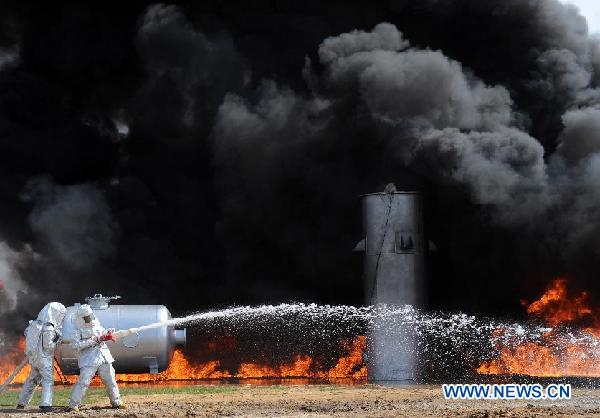 Fire drill marks PLA founding anniversary