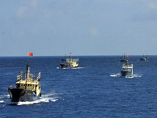 30-vessel China fishing fleet arrives at Nansha Islands