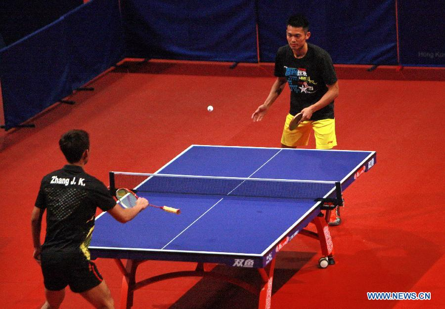 Chinese Olympic Gold Medalists Give Sports Demonstration