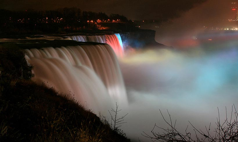 Beautiful & powerful Niagara Falls