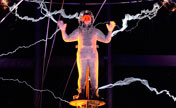 "David Blaine completes ""Electrified"" stunt"