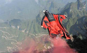Best fliers show skills in wingsuit competition