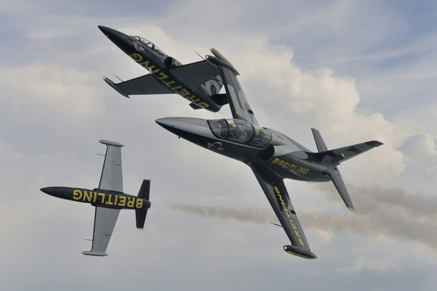 Unique performances of Breitling Jet Team