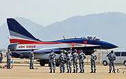 J-10 jet fighters arrive at Zhuhai for Air Show