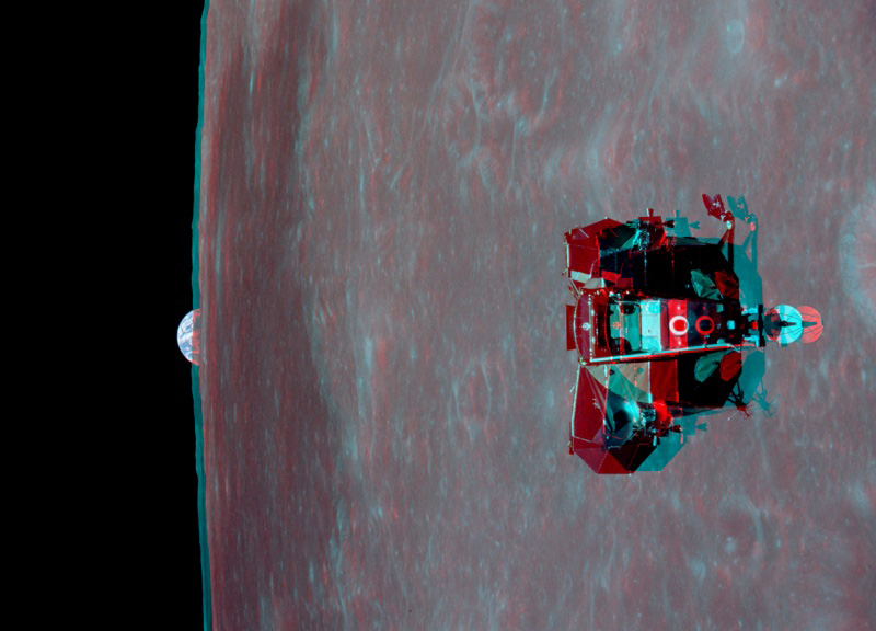 The Eagle Rises. Get out your red/blue glasses and check out this remarkable stereo view from lunar orbit. (Photo/ NASA)