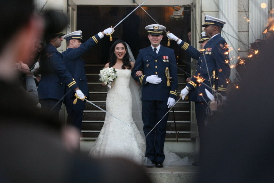 Olympic figure skating champion Michelle Kwan married the director for strategic planning on the National Security staff at the White House, Clay Pell on Saturday at the First Unitarian Church of Providence, Rhode Island. (Photo Source: cqnews.net)