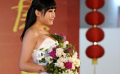 Beauty and folwer dazzle at flower fair in Nanjing