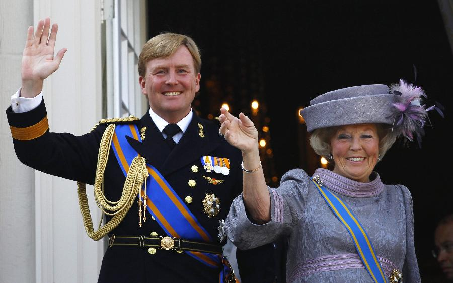 Dutch Queen abdicates