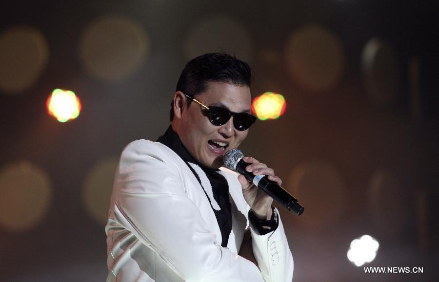 Psy stages first commercial show on Chinese mainland