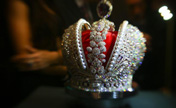 Crown with 110,000 diamonds unveiled