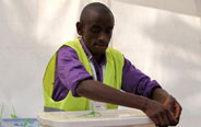 Kenyans turn up to vote in historic elections