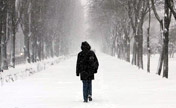 Heavy snow hits capital of Ukraine