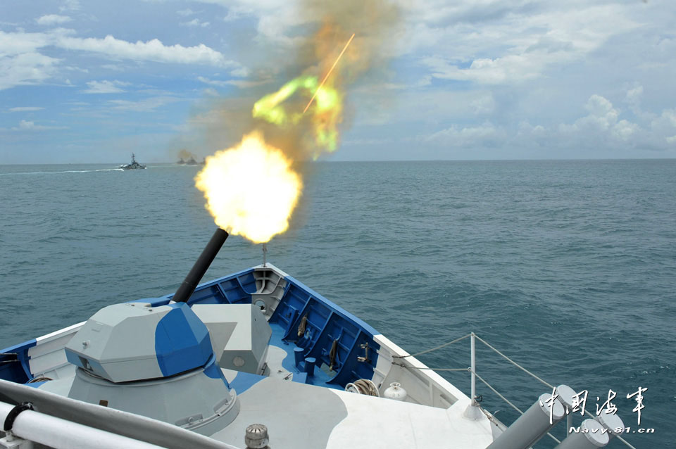 Warships of the South Sea Fleet of the Navy of the Chinese People's Liberation Army (PLA) conducted a live-ammunition fire drill in a certain sea area under the conditions of informationization in mid April. (navy.81.cn/Cao Haihua, Zhao Changhong)