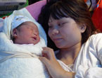 Baby born right after earthquake in SW China