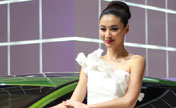 Models shine at Shanghai auto show 2013