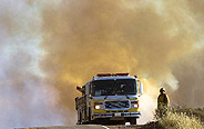 Southern California wildfire threatens 4000 homes