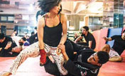 Self-defense martial art gains popularity in Beijing
