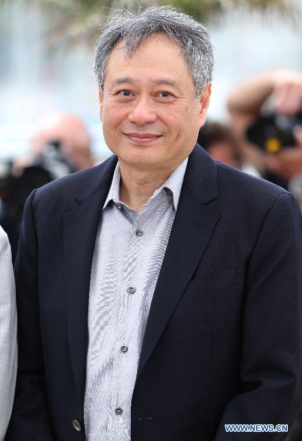 Director Ang Lee from southeast China's Taiwan arrives for the photocall of the Jury at the 66th annual Cannes Film Festival in Cannes, France, May 15, 2013. (Xinhua/Gao Jing)