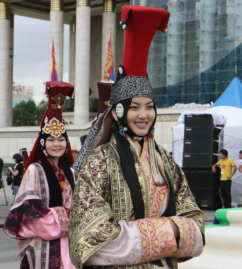 Camping World Concord >> Mongolian Clothing Festival held in Ulan Bator (2 ...