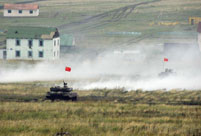 Chinese armored forces advance in Peace Mission-2013