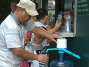 Free water to keep workers, tourists cool